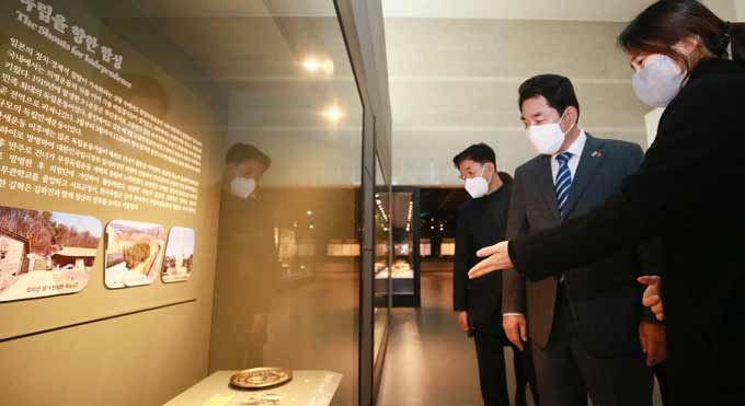 백군기 용인시장, 시 박물관 상설전시실 점검