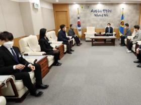 장현국 의장, 코로나19 생활치료센터 직원격려